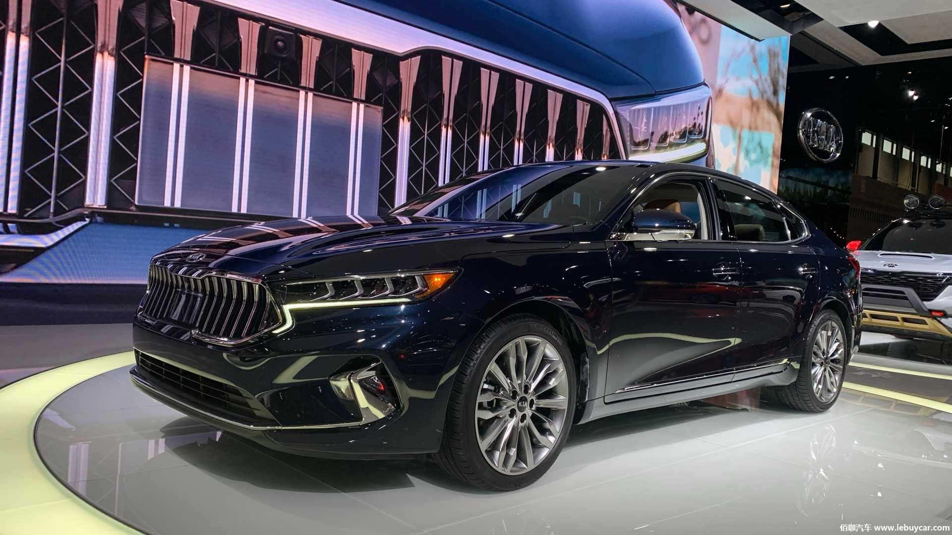 2020-kia-cadenza-at-chicago-auto-show (1).jpg