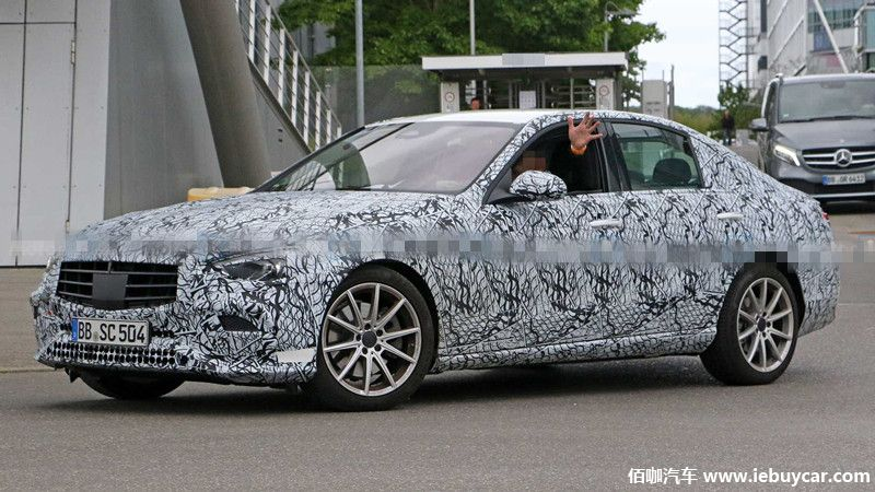 2021-mercedes-c-class-sedan-spy-photo (2).jpg
