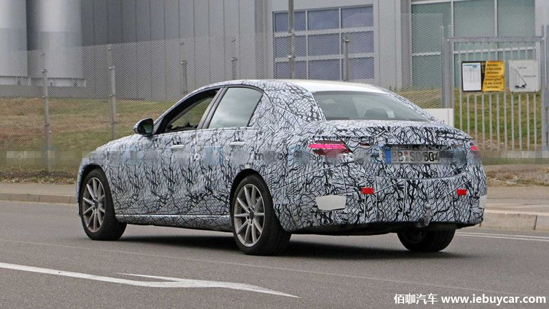 2021-mercedes-c-class-sedan-spy-photo (4).jpg