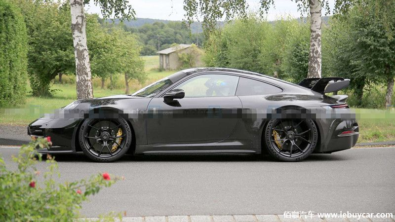 2021-porsche-911-gt3-new-spy-photo-side-view.jpg