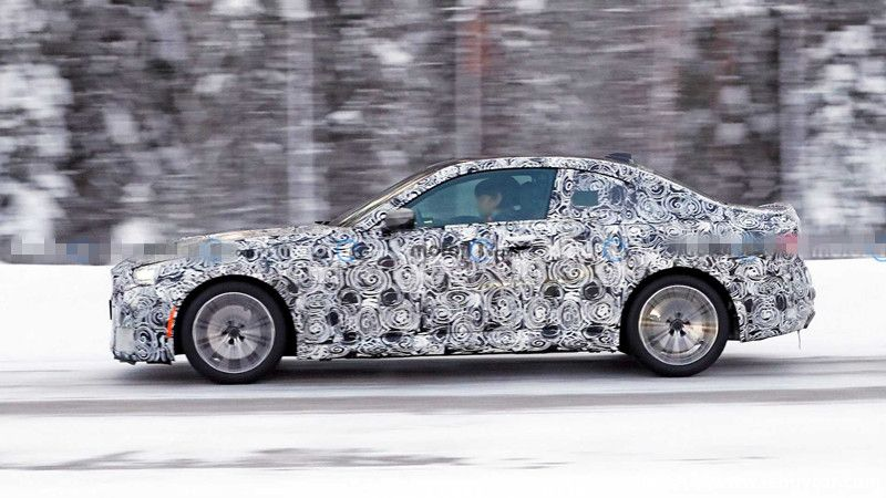 bmw-2-series-coupe-spied-in-sweden (3).jpg